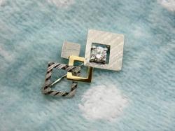 リフォーム婚約指輪からブローチ